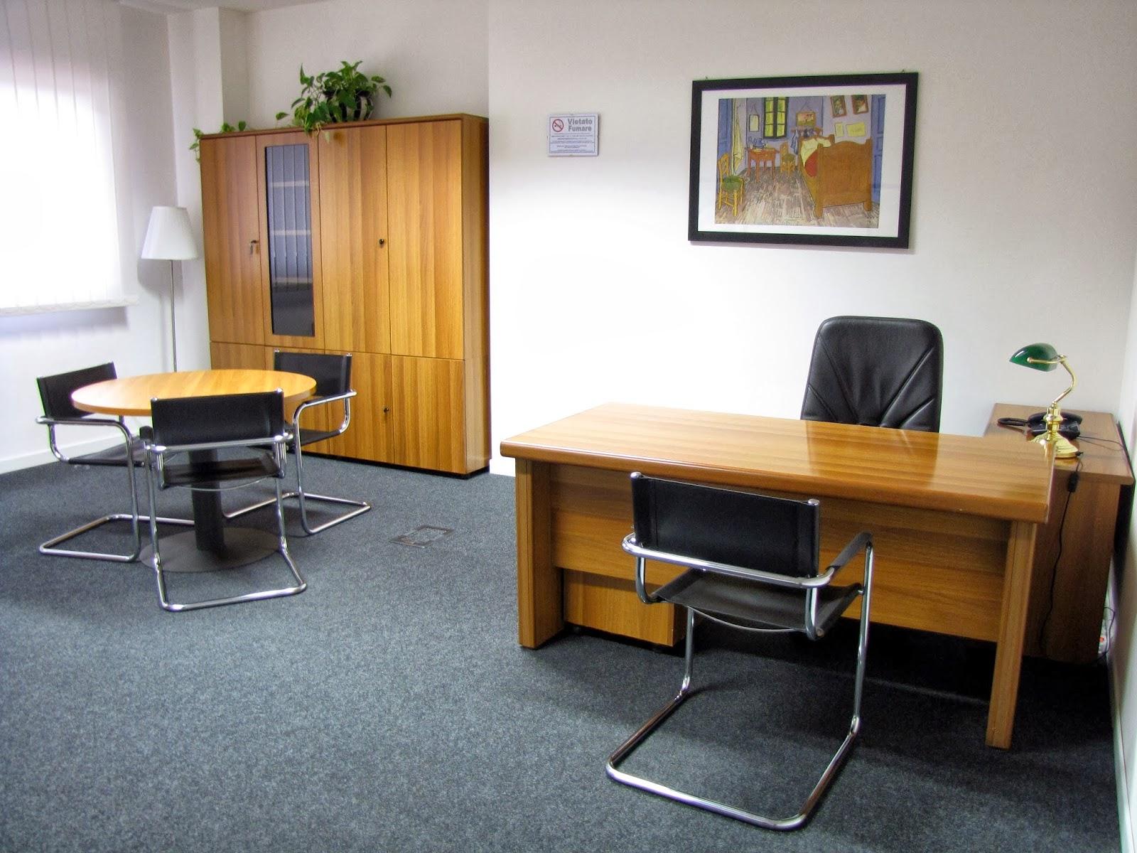 Olivetti pcm224w tutto per l 39 ufficio for Scrivania reception
